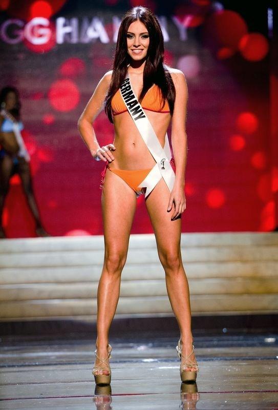 Bikini Miss Universe 19