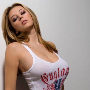 babes_tight_tshirt-13-300x300 Large pics of sexy babes in tight t-shirts
